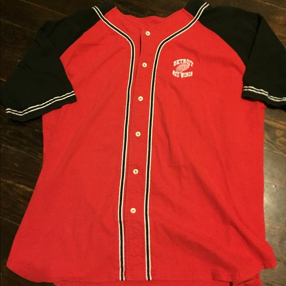 huge selection of 144a2 33000 Vintage Detroit Red Wings Baseball Jersey Shirt
